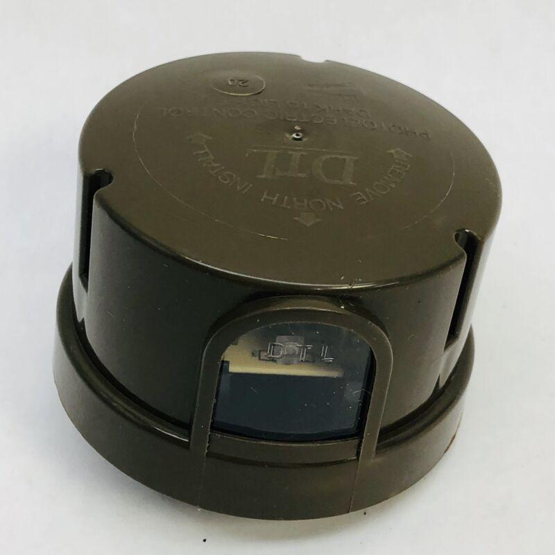 DTL DP124-1.5-1704 TWIST LOCK ROADWAY STREETLIGHT PHOTO-CONTROL