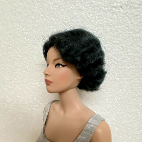 Monique Gold Collection Doll Peddlar Exclusive HARLOW wig in Black sz 5-6 NEW