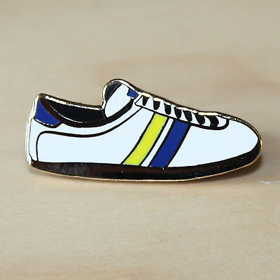 YELLOW, WHITE & BLUE ENAMEL TRAINER STYLE BADGE - LEEDS COLOURS