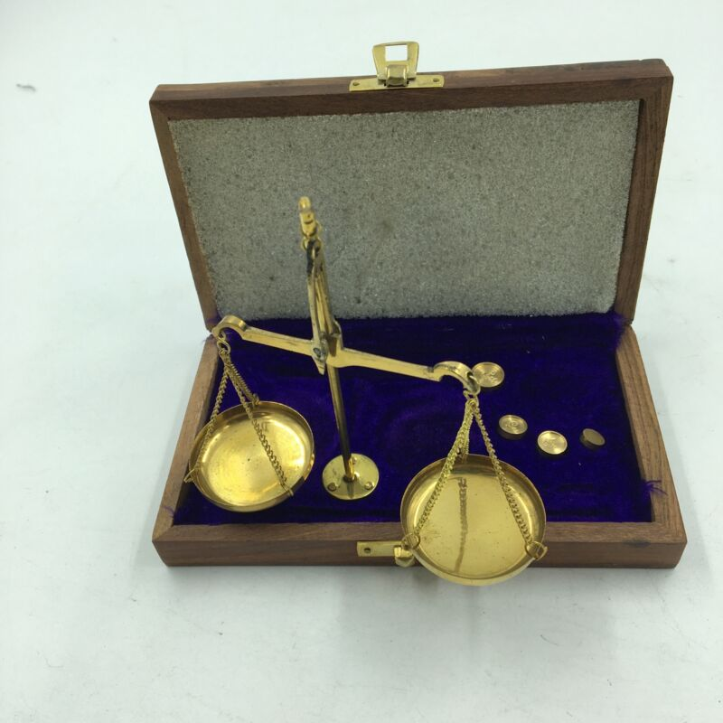 Gold Scale, Up to 10gm Weights, Wooden Purple Velvet Line Box w/ Latch