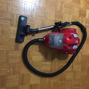 Dirt Devil Cyclonic Vacuum cleaner with washable HEPA filter