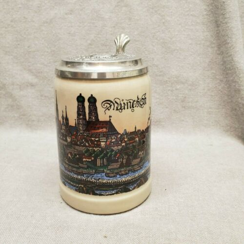 Vintage Lowenbrau World Class Salesman Stein Lidded Mug Munchen