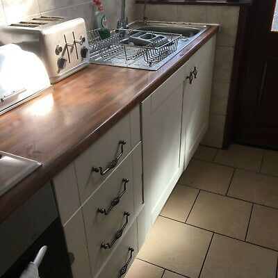 Second Hand Kitchen (to be dismantled) includes cooker,hood,sink,tap, hob