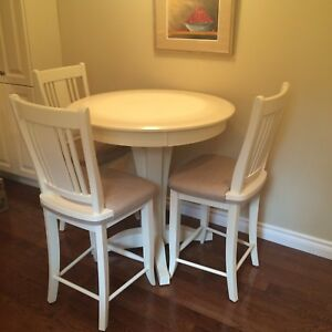 CANADEL Table & 4 Chairs