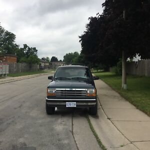 1994 Ford Explorer XLT 4x4 (try your trades)