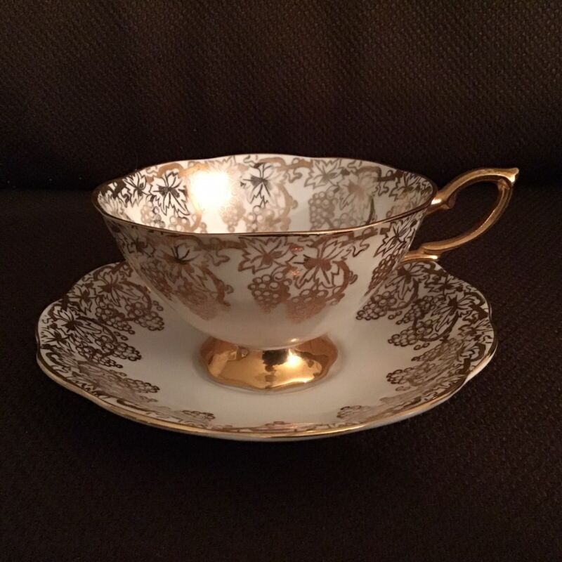 VTG Royal Standard Bone China England Gold Grapes Footed Tea Cup & Saucer Ivory
