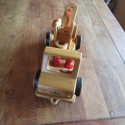 Nic Creammobil mit Abschleppkran und zwei Figuren