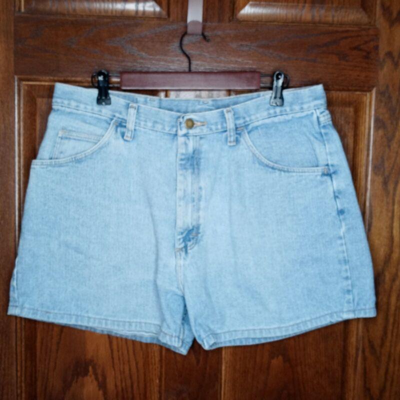 "Vintage Wrangler Shorts Denim High Waisted Hot Pants Waist 35"" Mom Jeans Relaxed"