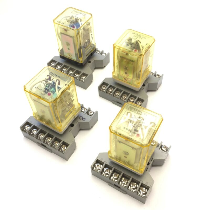 Lot of 4 Idec RR3PA-UL Ice Cube Relays Coil Voltage: 24VDC w/Socket Base SR3P-06