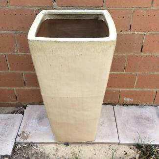 Cream coloured tall pot Yokine Stirling Area Preview