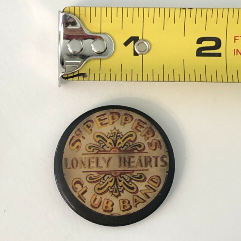 Beatles Sgt Peppers Lonely Hearts Club Band Vintage Pin Button