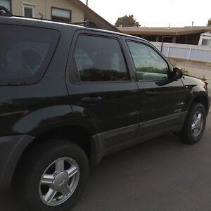 Ford Escape 2002. V6 ! All wheel drive