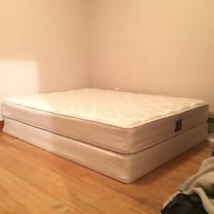 Like New Flippable Queensize Serta & Boxspring FREE DELIVERY