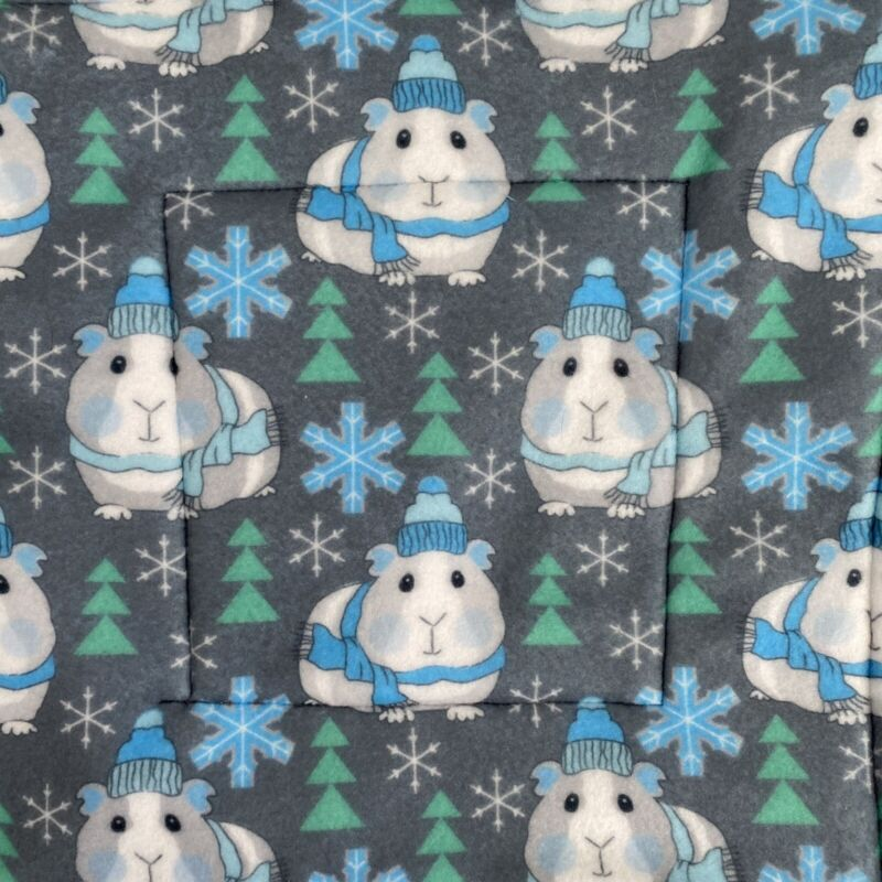 """Guinea Pig Fleece P Pad Cage Liner SNOWFLAKES Pair 11"""" Lot Of 2"""