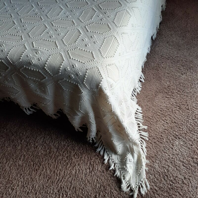 VTG Hand Crocheted Cotton Popcorn Bedspread/Coverlet, Fringed, Ecru, Full/Queen