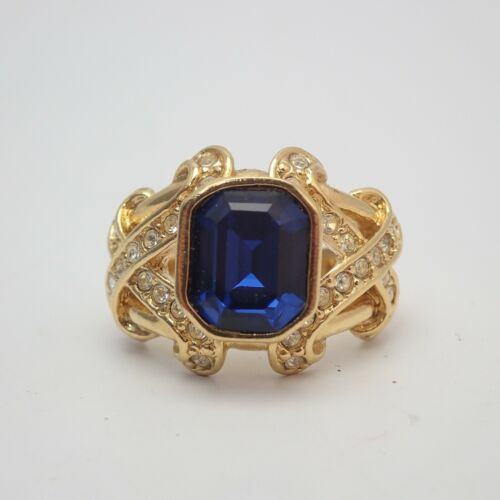 1995 Kiss Collection Elizabeth Taylor Avon Blue Crystal Pave Accents SZ 6 Ring