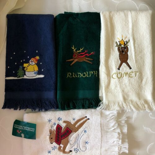 Lot of 4 Grand Prix By Avanti Christmas Hand Towels  Vintage 1978