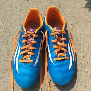 Outdoor Adidas size 5 soccer cleats