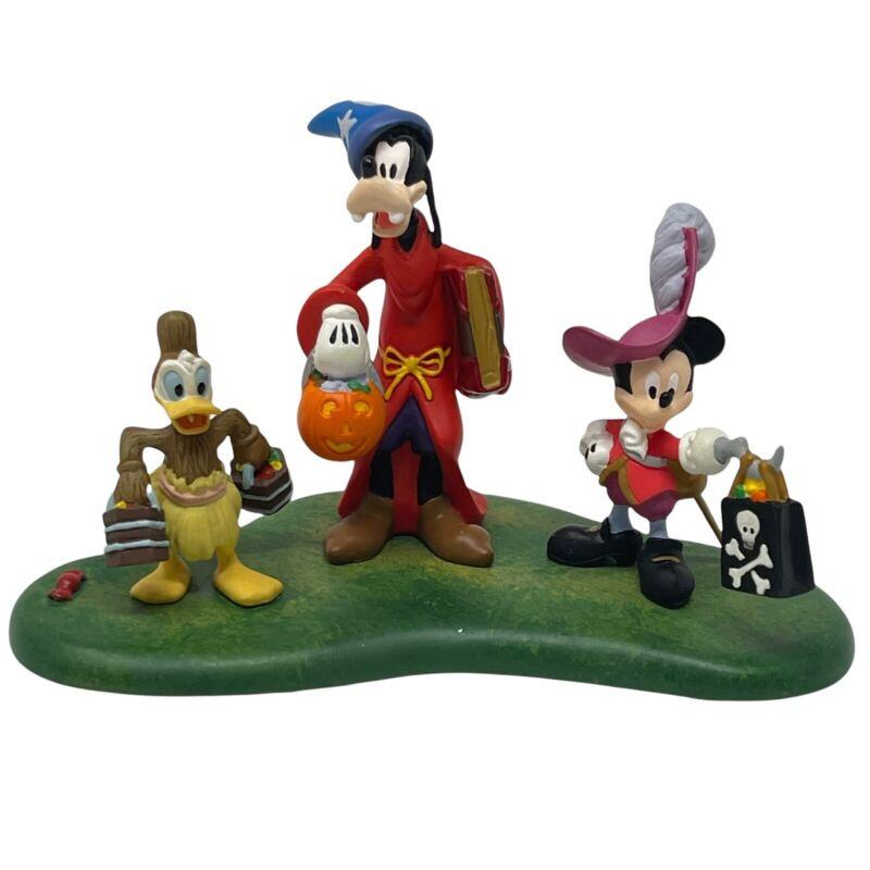Dept 56 Disney Showcase Halloween Series Happy Haunting Mickey Mouse goofy