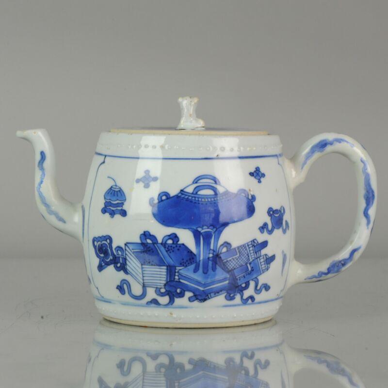 Antique Chinese Teapot Kangxi Blue and White Bajixiang Qing Figures [:zh...
