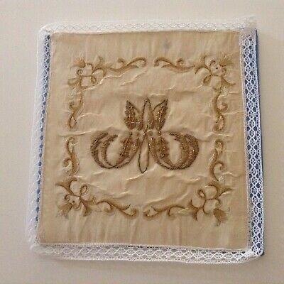 Pale, motif Notre-Dame, brodée à la main, ancienne, rare