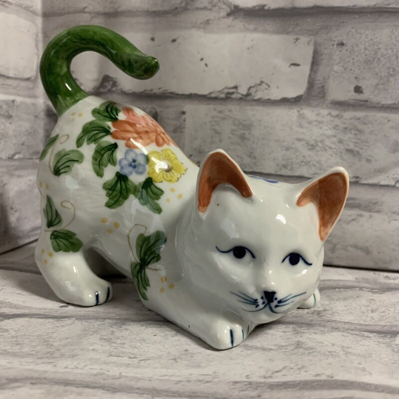 Floral Cat Figurine Andrea by Sadek Green Tail Flowers