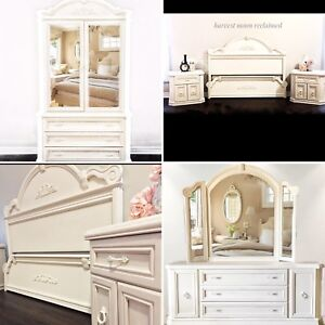 Charming 7 piece Queen Bedroom Suite