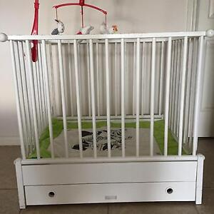 Playpen (box) imported from The Netherlands Nyora South Gippsland Preview