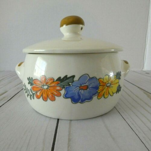 """M. Kamenstein Casserole Dish with Lid Flowers 1982 Vintage 5 1/2"""" Oven Proof"""