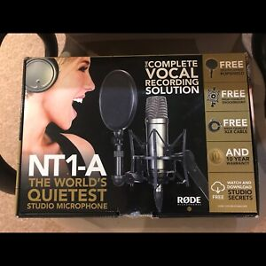 rode nt1-a mic + scarlett solo 2i2 interface