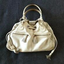 WHITE USED LEATHER HANDBAG Byron Bay Byron Area Preview