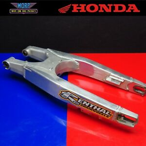 2004 Honda CR250 Swingarm Rear Swing Arm Suspension Shock Pivot 52200-KSK-000
