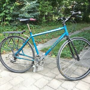 "Kona hybrid bike. 20.5"" 7005 tubing frame. 700c wheels. Altus."