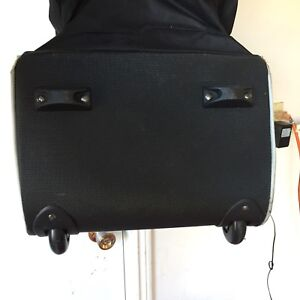 Golf travel bag (wheeled)