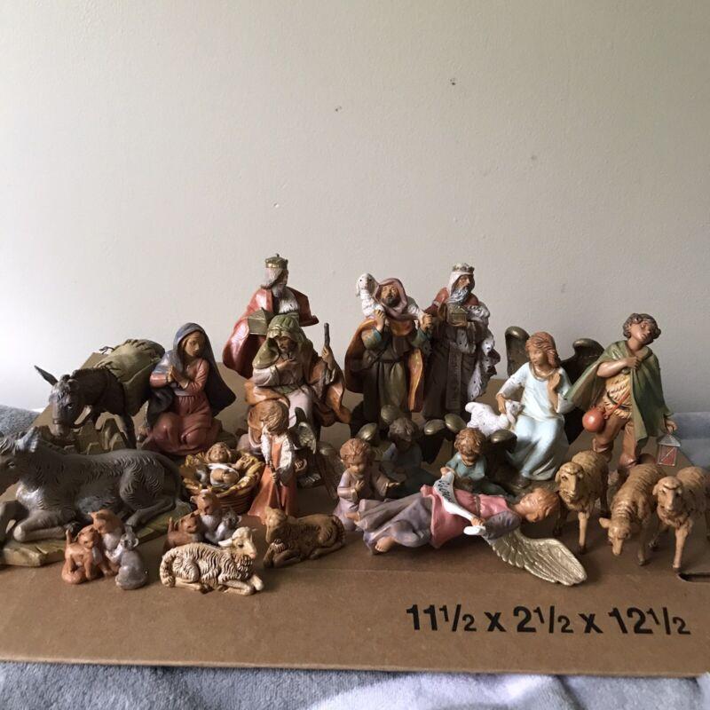 Vintage 24 piece Depose Italy FONTANINI 80s-2000s Nativity Figures Figurine Set