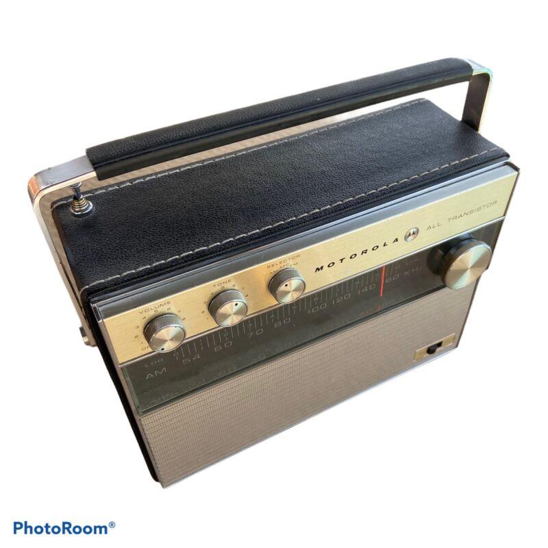 Vintage Mid Century Motorola All Transistor Multi-Band Radio - AM FM Works RARE!
