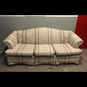 Floral Beige Couch *****Free Delivery Included****