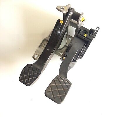 GENUINE SEAT IBIZA BRAKE PEDAL AND CLUTCH ASSEMBLY - 6Q2721117H