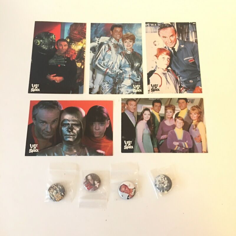 New Lost In Space Post 5 Post Cards and 4  Pin Lot Cast. See Description