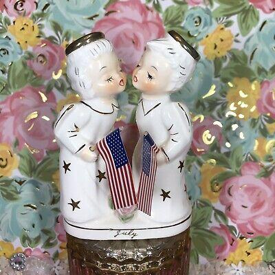 Vtg July Kissing Double Boy Girl Angels Holding Flags Figurine Gold Stars Japan ()