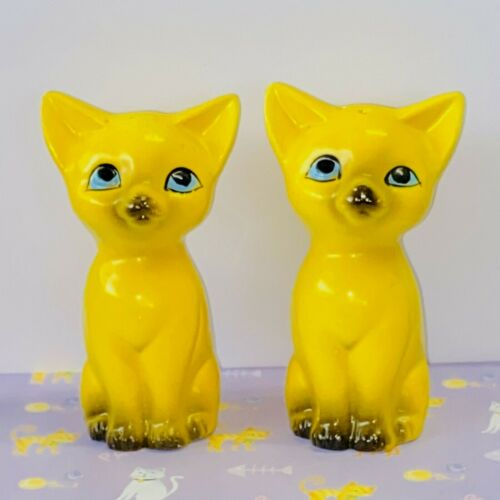 KITTY CAT SALT & PEPPER SHAKERS 11cm Tall MARKED 1972 EXCELLENT CONDITION