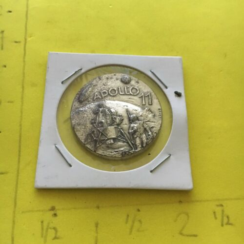 VINTAGE APOLLO 11 FIRST MAN ON THE MOON EVENT TRIBUTE COIN STERLING SILVER?