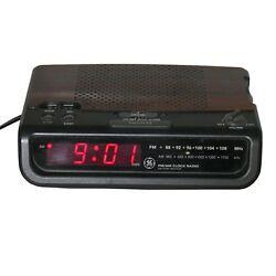 GE General Electric AM FM Digital Alarm Clock Radio 7-4613A Wood Grain Look Vtg