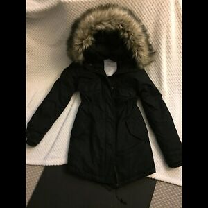 Aritzia TNA Community Paradigm Parka (Black)