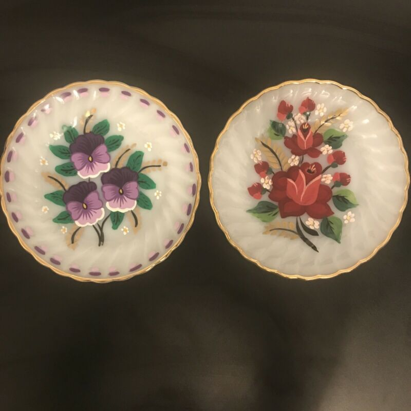 """Anchor Hocking Fire King Milk Glass Gold Trim Hand Painted Flowers 8"""" Plates"""