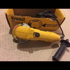 """DeWalt 4 1/2"""" Heavy Duty Angle Grinder"""