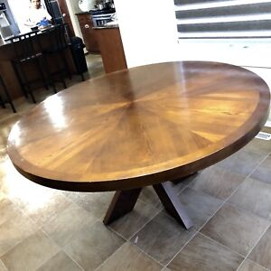 Round Dining Table with 6 Matching Chairs