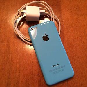 iPhone 5c 16g *UNLOCKED/Lowered price* Kingston Kingston Area image 3