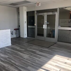 Cafe/Restaurant space available in office building