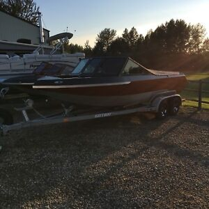 2018 Coyote 20' open Bow V8 power